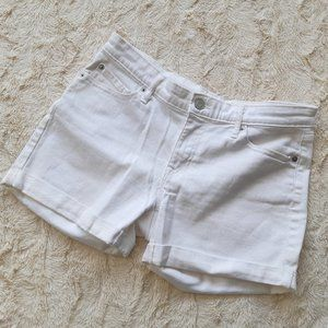 GAP girlfriend short white jean shorts